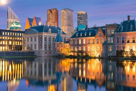 Best location in The Hague. ***Free parking****