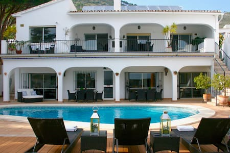 Heart of Mijas Pueblo. Stunning contemporary villa - Mijas