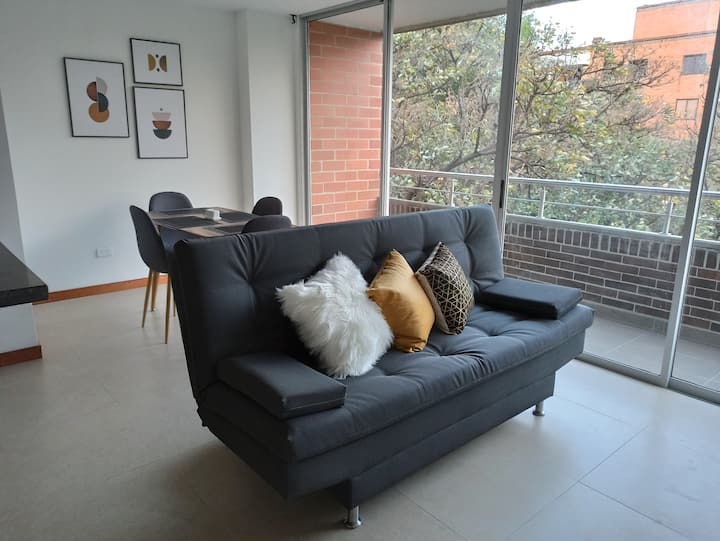 BEST APARTMENT, AMAZING AREA TO STAY ( 7 PEOPLE)