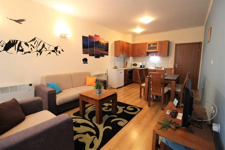 Pine Tree Apartment 3 - B3