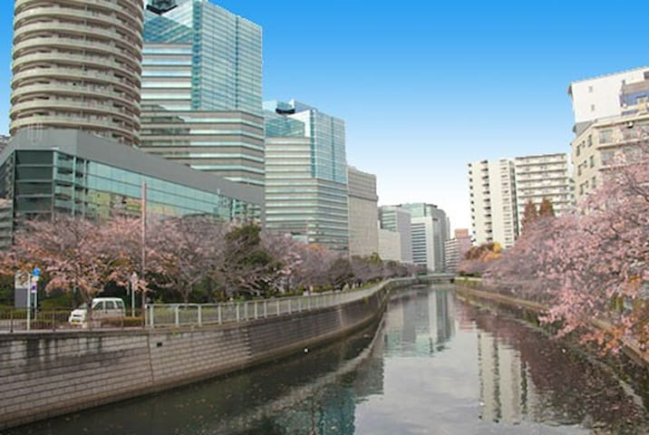 One minute walk from Osaki station