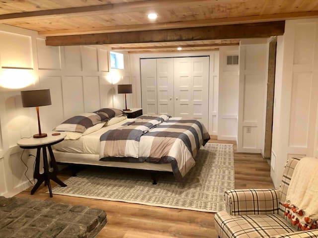 King Size large bedroom
