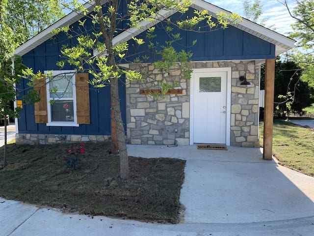 Carey Bay Cottages -  Brand New Luxury Cottages on Grand Lake (Cottage F)