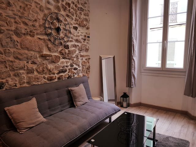 BEAUTIFUL ONE-BEDROOM APARTMENT IN THE OLD TOWN
