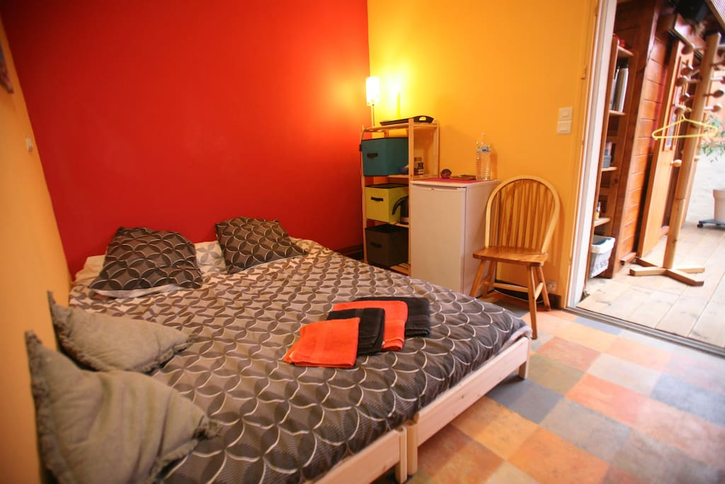 Chambre lit double 2 personnes