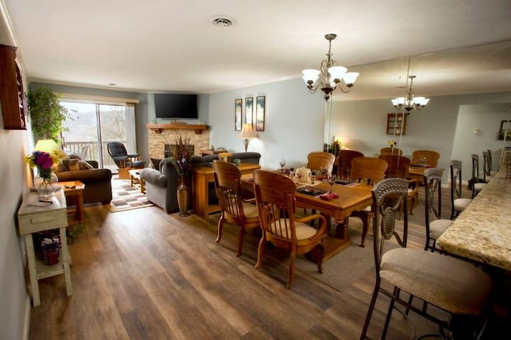Gorgeous Condo in Branson Gated Resort Community
