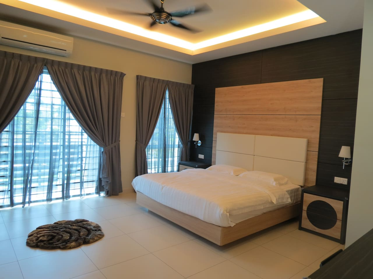 O&E-Master Bedroom