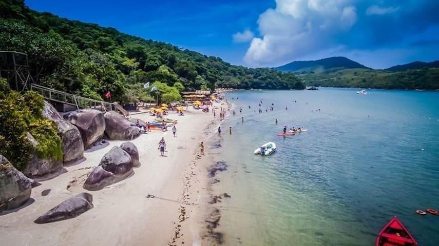 Passeios de Barco e Mergulhos, conheça Porto Belo