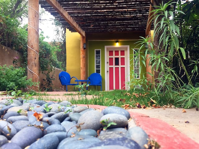 Cozy and Private Casita/Guesthouse
