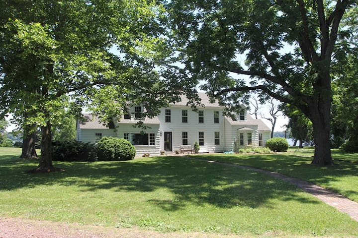 3 Bedrooms, 2 Private Baths on the Chester River