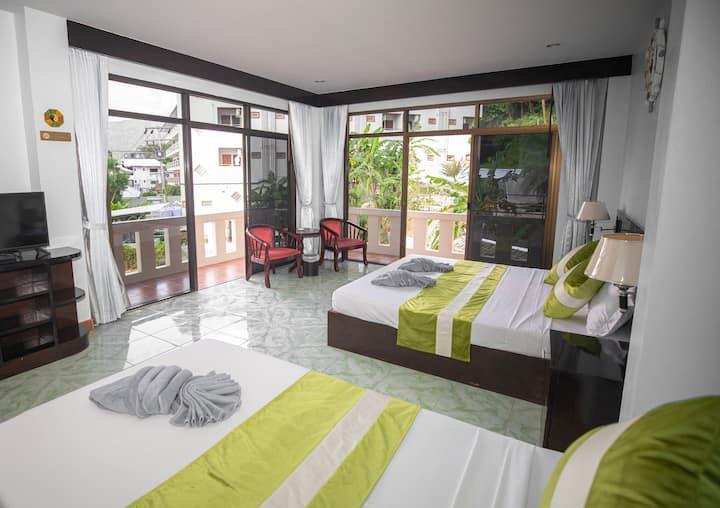 Cozy Villa Family Room+Pool+Garden+forest+kitchen