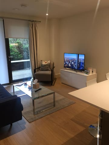 Modern, Stylish Apartment in North London