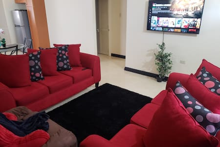 Home Close to Resort Area & Airport *SPECIAL RATE*