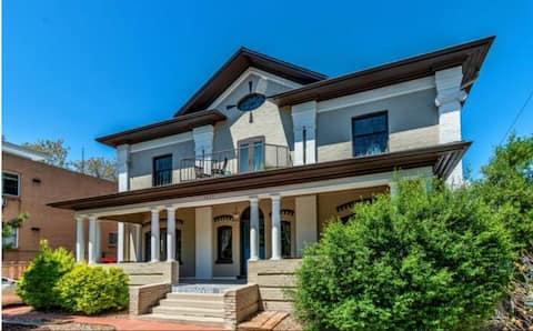 Monthly Rental | Heart of Cap Hill | 2BD APT