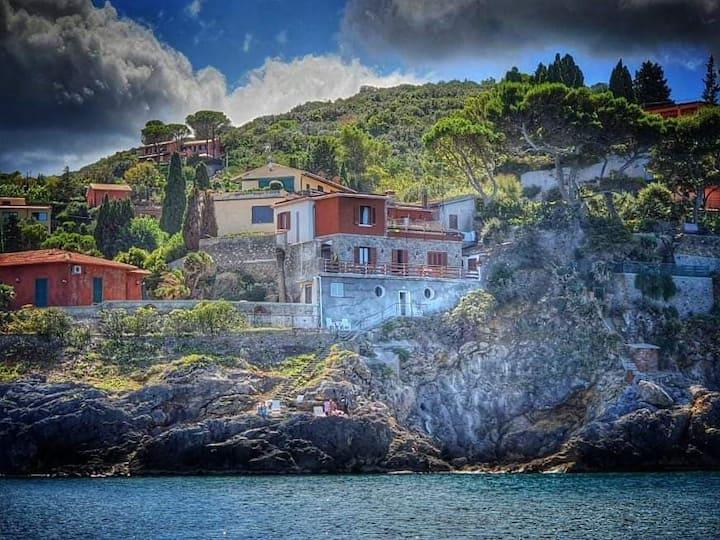 Villa Flora...............un invito a  viaggiare