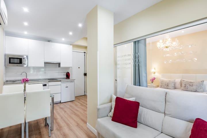 Apartamento con Balcones Wifi/Aire Acondicionado