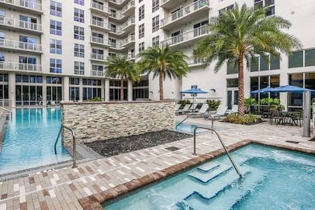 New Studio Apartment • Biscayne Blvd