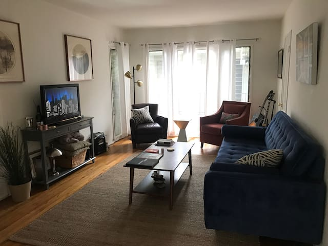 Burbank/Hollywood One Bedroom