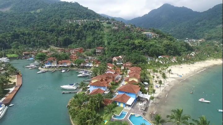 Portogalo Village 2 com Opção de Lancha26' e Cais