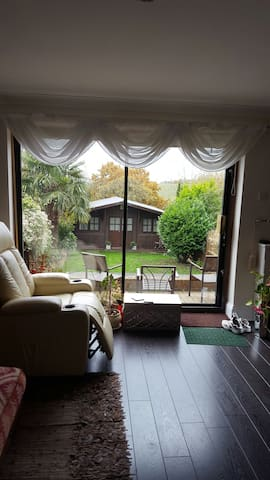 Fab Single room. country side view - Epping - Dům