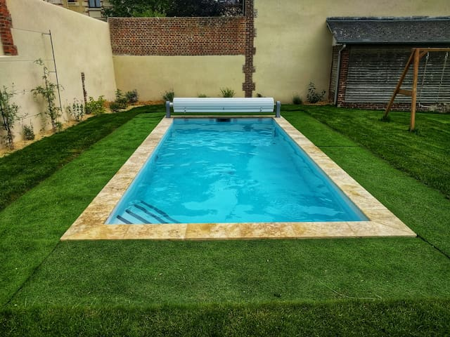 Maison de charme avec piscine chauffée