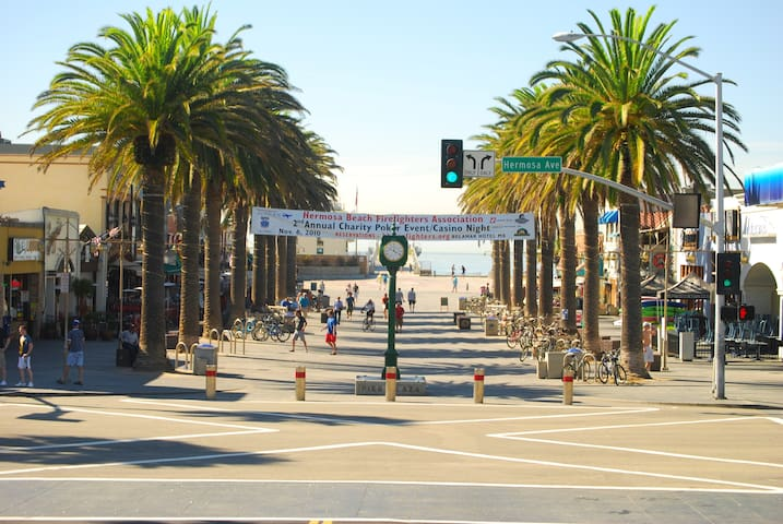 Walk to the beach, just above pier! - Hermosa Beach - Talo