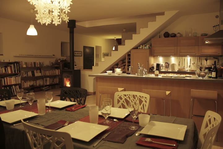 chambre spacieuse dans grand appart - La Roche-sur-Foron - Flat