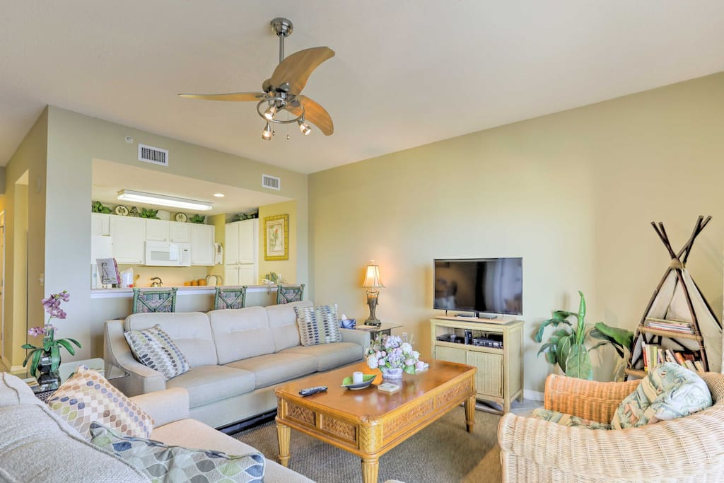 This 12th floor unit features a furnished balcony with seating for 16!