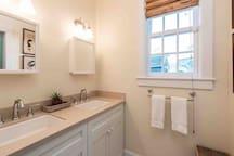 21-623ANGELA-16x9-masterbathroom.jpeg