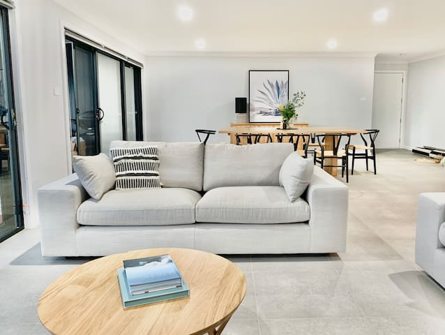 LUMINA   New contemporary home in Jervis Bay Area