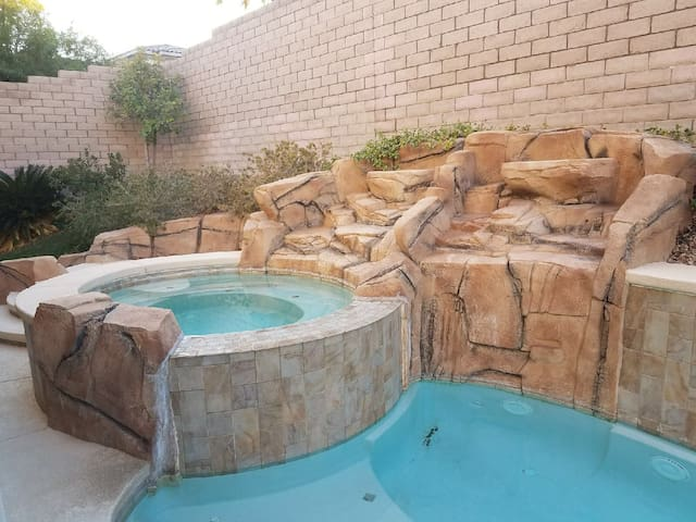 Luxury Summerlin Oasis