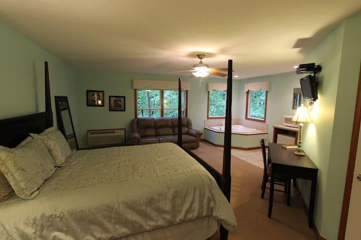 Serenity Suites Room 2 - Middlebury - Pousada