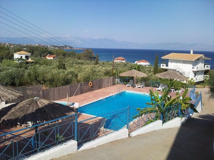 Xenios Zeus Apartments II - Villa Athena