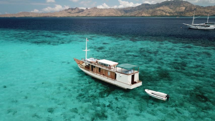 Komodo Cruise Journey for 10 Persons