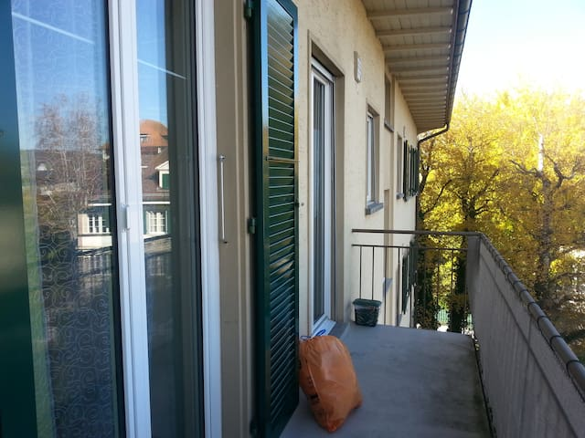 2.5- Zimmerwohnung mit 2 Balkonen - Ostermundigen - Apartment