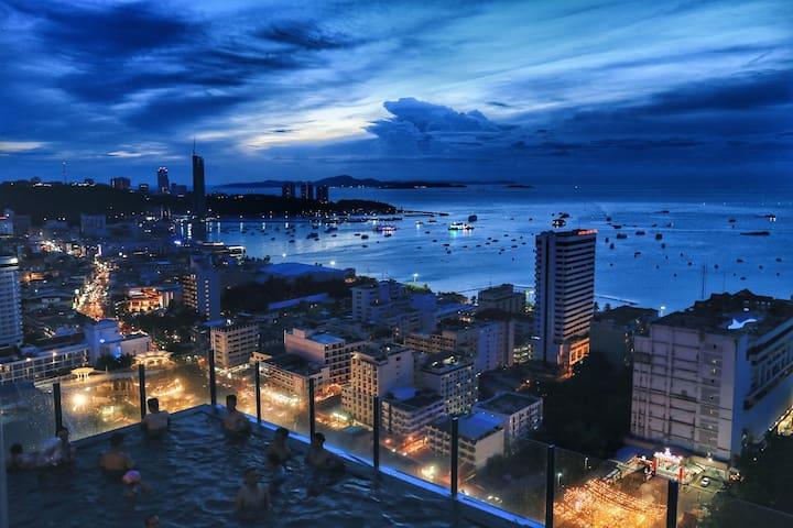 天空无边泳池 the base ,central pattaya 高层海景 seaview