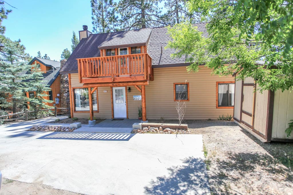 Lakeview lakefront lagoon outdoor spa cabins for rent for Big bear cabins lakefront