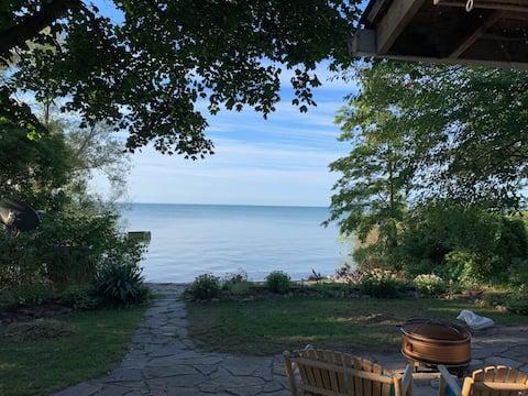 Heron's Haven Lakehouse Retreat
