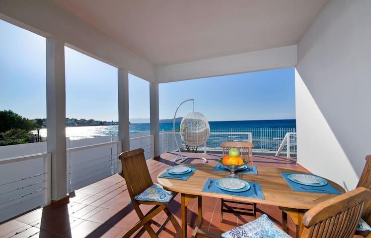 Beachfront Villa with 3 bedrooms - Chania - Villa