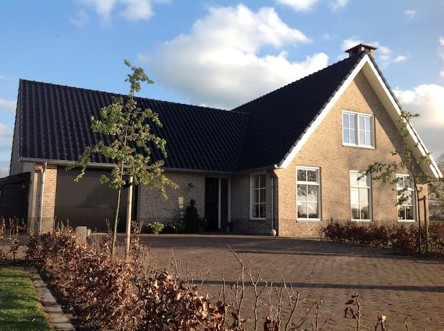 Luxury country house, 50 minutes from Amsterdam