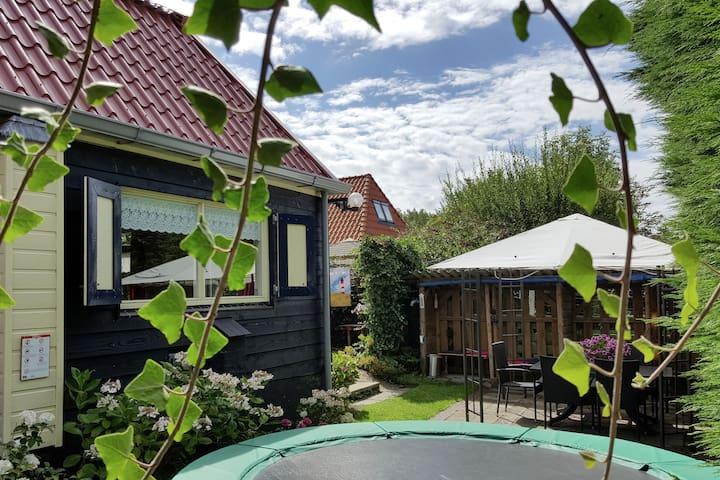 Beautiful Holiday Home near Canal in 't Zand on Dutch Coast