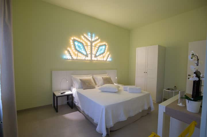 LUCI DEL SALENTO Guest House - camera gialla