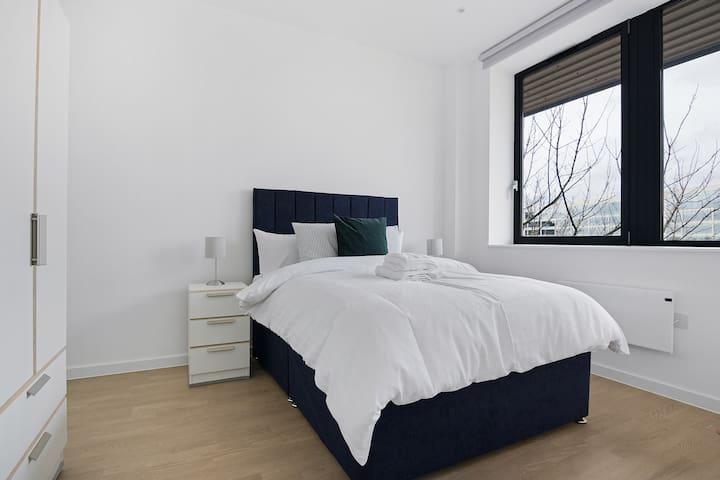 Chic, bright, brand new 1bed flat near Brentford!