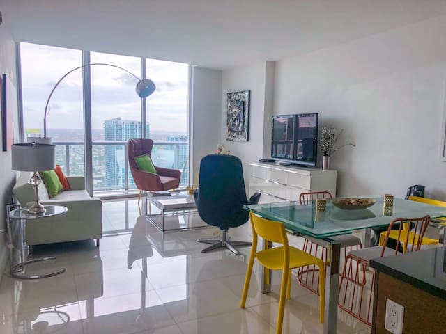 •ICON BRICKELL PENTHOUSE 5 STARS CONDO FREE SPA!