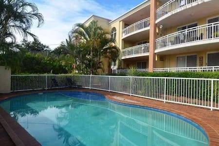 Walk to Surfers and the Beach - Surfers Paradise - Leilighet