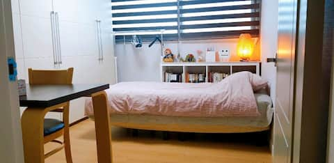 Luxury house 2 mins from Hwa-jeong stn.화정역