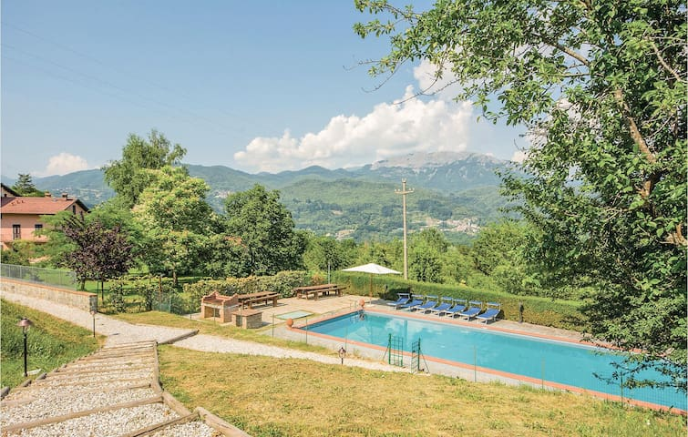 Semi-Detached with 1 bedroom on 45m² in Camporgiano LU