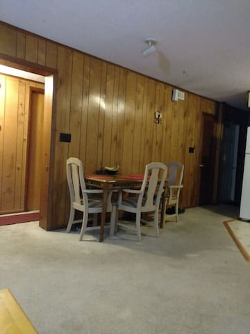 Private room 3 miles from the beach - Frankford