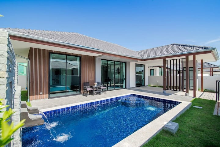 2 Bedrooms Modern Pool Villa