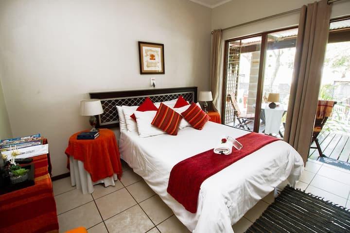Rustic Butler Orange Suite
